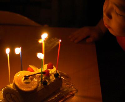 ユーハイムのクリスマスケーキ_a0003650_053954.jpg
