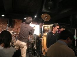 2004年忘年会ライブ!_a0010202_1223444.jpg