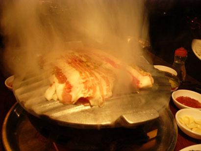 サンボン ハログイの三枚肉と冷麺_b0048834_9474856.jpg