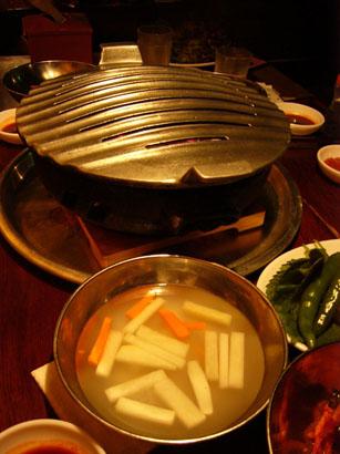 サンボン ハログイの三枚肉と冷麺_b0048834_955466.jpg