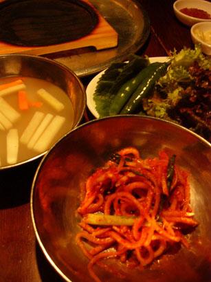 サンボン ハログイの三枚肉と冷麺_b0048834_9584353.jpg