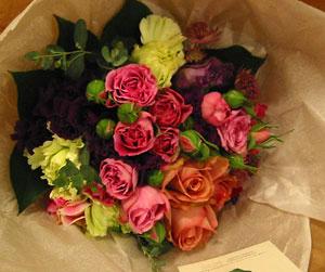 アトリエ IKUKO「春のお花でブーケをつくる」教室_a0017350_018304.jpg