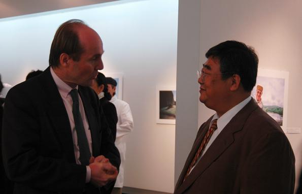 サンテグジュペリ伯爵をお招きして奈良日仏協会写真展_a0031363_3224448.jpg