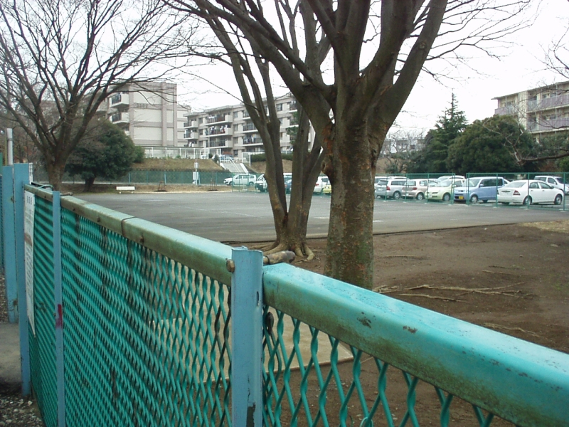 横浜市 磯子区 汐見台 夢の痕_a0008523_2257749.jpg