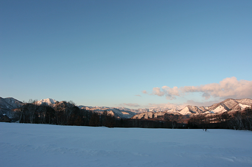 朝日に山々が染まる・・・高原の朝_c0048494_0592930.jpg