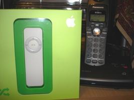 ようこそ、iPod shuffleご一行様  _a0027105_14342551.jpg