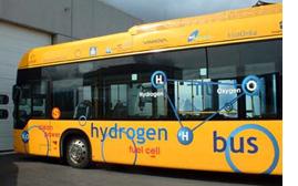 エコ・コンシャス最先端:水素バスの走るアイスランド_c0003620_1445443.jpg