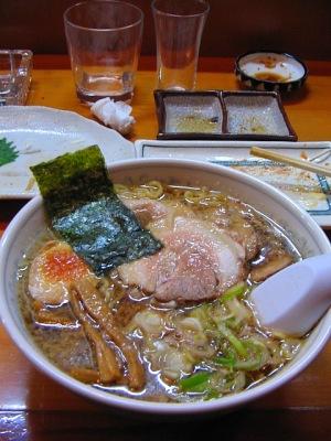 仕上げは・・・背脂醤油スープのラーメン_c0001578_20282348.jpg