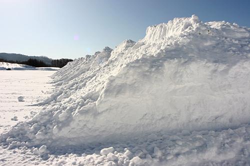 もしこれが雪じゃなかったら・・・と考えるとすごい量ですね_c0048494_23374869.jpg