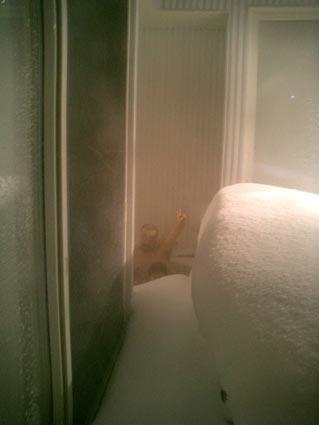 雪の中の露天風呂_b0019674_2214390.jpg
