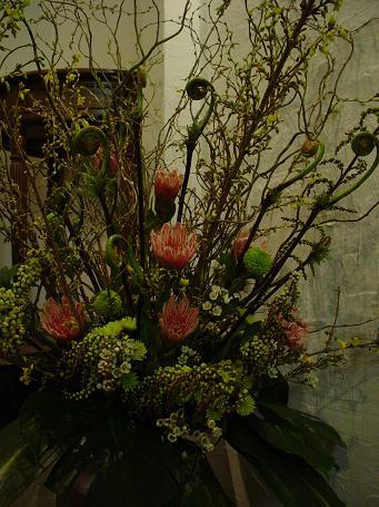 枝もののアレンジ_c0069389_15313315.jpg