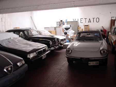 ミラノのガレージ_c0061896_2315342.jpg