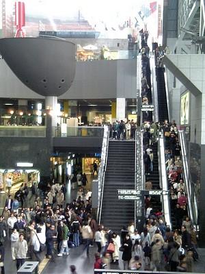 階段とエスカレータ_c0042324_344717.jpg