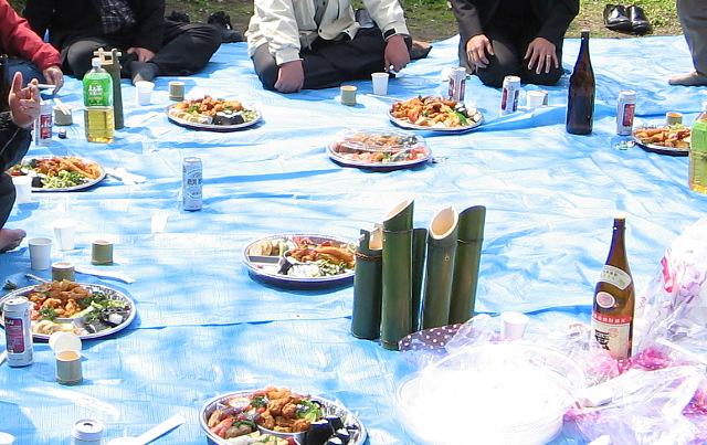 """境川河畔・・・""""花見の宴""""に20度焼酎とカッポ酒_c0001578_2142567.jpg"""
