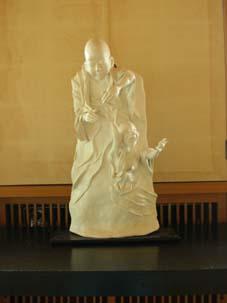 今日から晏侶石塑像展-「やるべきことはやった」-_c0014967_0442539.jpg