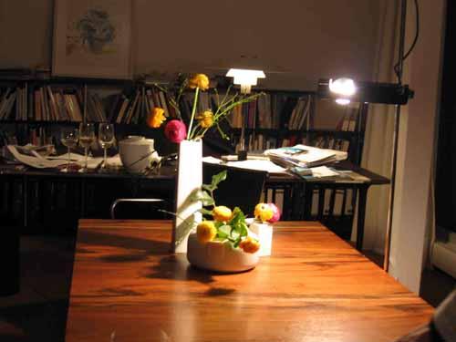 ケルンの知人宅で、花を生ける、酔っぱらった勢いで_d0027290_13191545.jpg