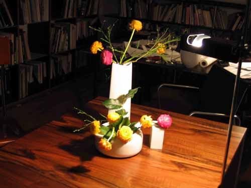 ケルンの知人宅で、花を生ける、酔っぱらった勢いで_d0027290_13193100.jpg