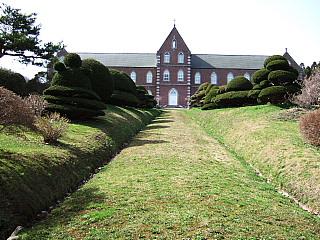 城岱(しろたい)高原を越えて、トラピスト修道院へ…そして_b0053765_2152263.jpg