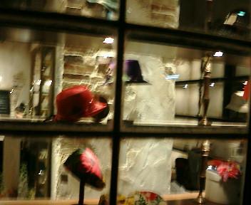 【やっぱり楽しくなければ帽子じゃない☆CA4LA渋谷店オープン♪】_b0032617_12243543.jpg