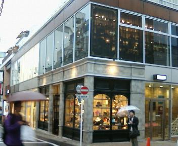 【やっぱり楽しくなければ帽子じゃない☆CA4LA渋谷店オープン♪】_b0032617_18575333.jpg