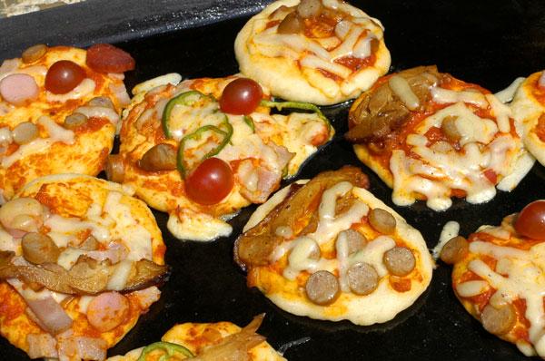 公園でピザを作る会_a0003650_22461654.jpg