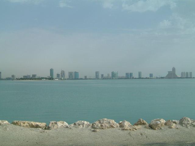 カタール(QATAR)の首都ドーハに到着_c0011649_295793.jpg