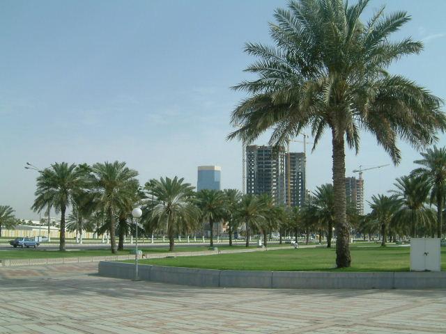 ドーハ (Doha) 市内観光 高層ビルとアルジャジーラ_c0011649_117257.jpg