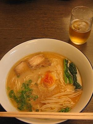 まろやかな甘さのスープ・・・「みくにやラーメン」_c0001578_0353094.jpg
