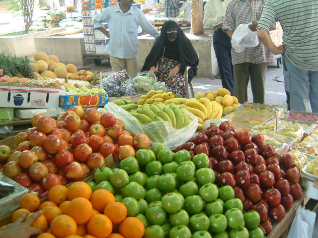 ドーハの野菜・果物市場_c0011649_1252046.jpg