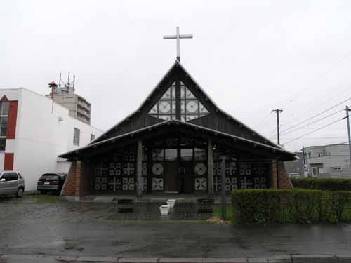 札幌聖ミカエル教会_d0027290_1124467.jpg