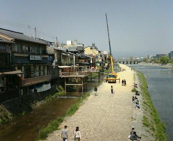 【京都、賀茂川「床」できましたか?】_b0032617_4592459.jpg