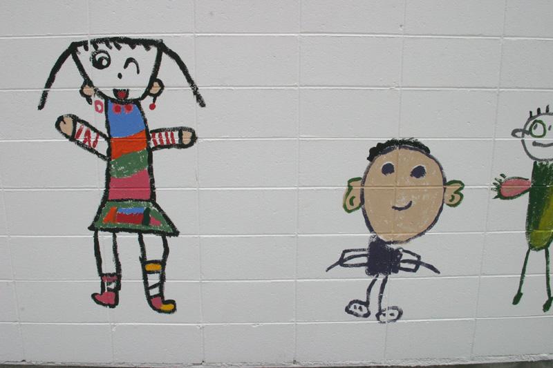 2004年6月17日◆保育所の子供たちの絵が、フローリス工事現場の壁画になりました。_d0037159_11394220.jpg