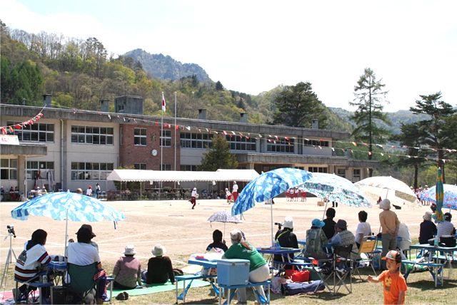 小学校の運動会_d0012134_15351100.jpg