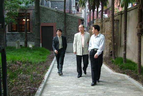 孫源源・元日本大学留学生 上海で中国語学校「漢院」を創設_d0027795_10463080.jpg