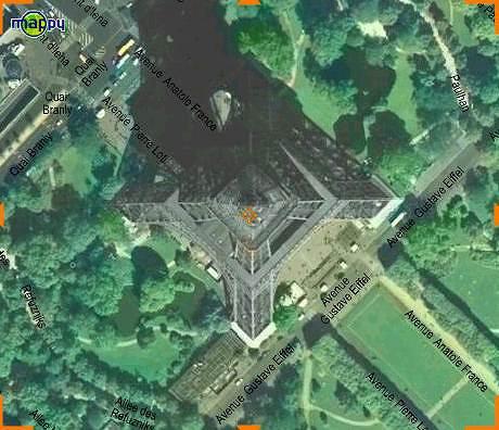 エッフェル塔の航空写真