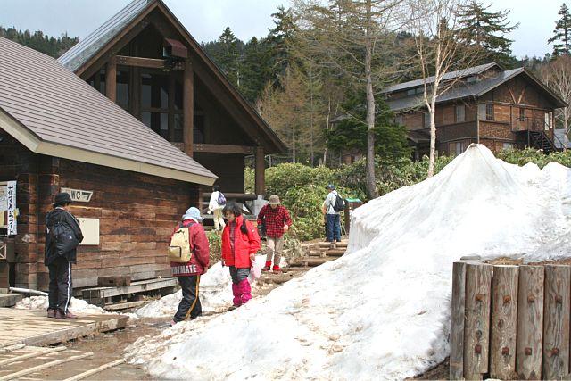 雪深い尾瀬沼_d0012134_23175750.jpg