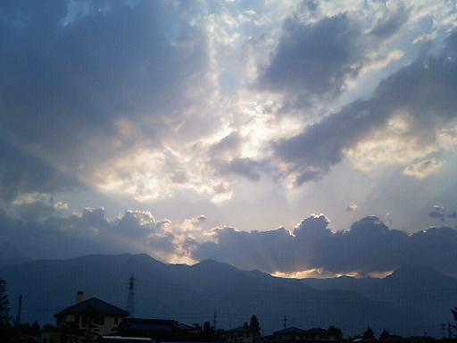 この空を見つめながら_a0014840_23232953.jpg