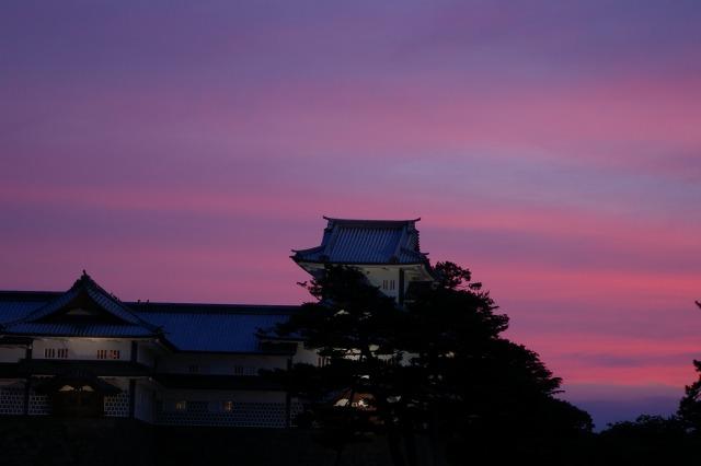 夕焼け金沢城_d0043136_20352277.jpg
