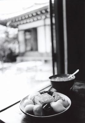 伝統茶屋で一息_a0018745_20131357.jpg