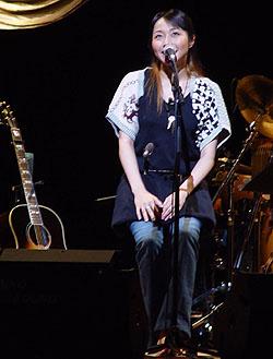 「矢井田瞳 acoustic live 2005 〜オトノシズク〜」総集編 <後編>_d0040134_4334854.jpg