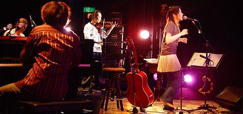「矢井田瞳 acoustic live 2005 〜オトノシズク〜」総集編 <後編>_d0040134_436083.jpg