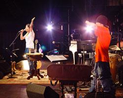 「矢井田瞳 acoustic live 2005 〜オトノシズク〜」総集編 <後編>_d0040134_4374062.jpg