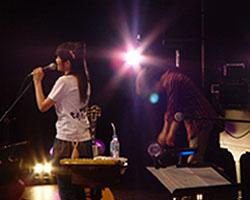 「矢井田瞳 acoustic live 2005 〜オトノシズク〜」総集編 <後編>_d0040134_4382388.jpg