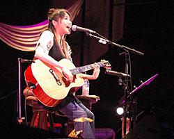 「矢井田瞳 acoustic live 2005 〜オトノシズク〜」総集編 <後編>_d0040134_4384391.jpg