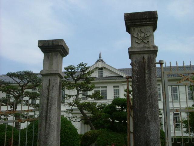 ヴォーリズ建築 近江八幡小学校_b0055171_11493040.jpg