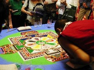 「チベット砂曼荼羅の世界」 5日目_c0061000_15135955.jpg