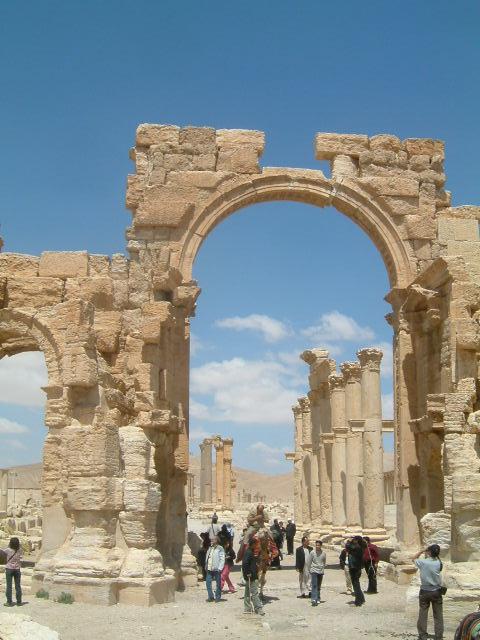 パルミラ遺跡 Palmyra (3)_c0011649_0365766.jpg