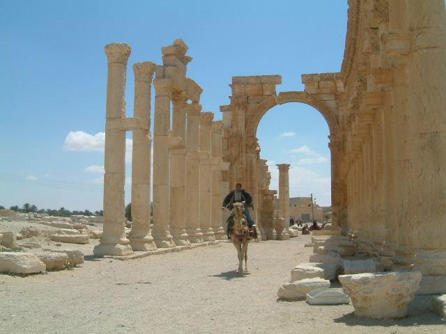 パルミラ遺跡 Palmyra (3)_c0011649_0381051.jpg