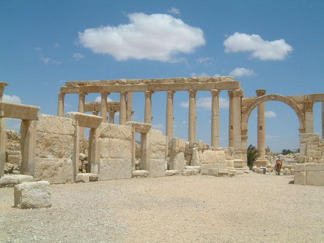 パルミラ遺跡 Palmyra (3)_c0011649_0484253.jpg