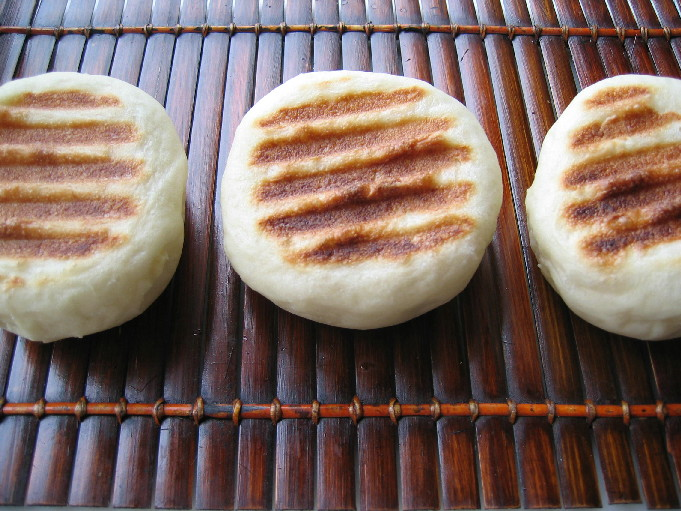 さつまいも餡のおやき風&ソフトフランスパンその2_b0065587_1812879.jpg